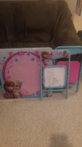 """""""Frozen"""" foldable table and 2 chairs"""