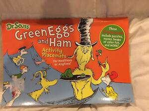 Green eggs and ham placemats set