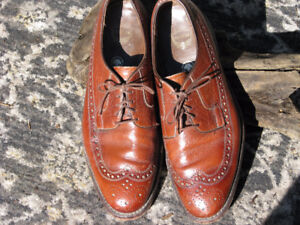 GORGEOUS FLORSHEIMS, 10.5, EXC COND, ONLY $30 !