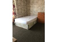 A spacious double room to rent in Plaistow ZONE3 including Bills