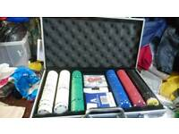 Poka set cards chips and case