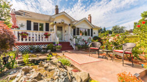 Charming 3-Bedroom 2-Bath Home in University District!!
