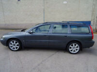 VOLVO V70 2.4 D5 SE 5d 163 BHP LEATHER TRIM*** HEATED SEATS FULL SERVICE RECORD (12 STAMPS