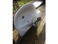 Pondlerosa sink with pedestal taps vgc