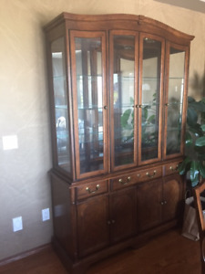 Moving!   Dining room table/6 chairs and hutch