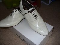 SHOES Gents Cream Shoes by Aldo size 9/43