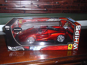 HOT WHEELS ENZO FERRARI, RED, 1:18 DIECAST WHIPS