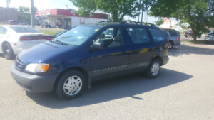 Clean title !! saftied 2003 toyota sienna 7 seats