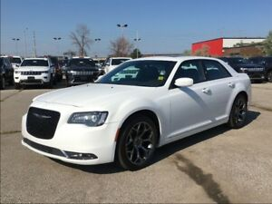 2016 Chrysler 300 S**SUNROOF**LEATHER**NAVIGATION**BLUETOOTH**