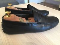 Luxurious Tod's Gommino mens black leather loafers, driving shoes, 43 / uk9, rrp £310