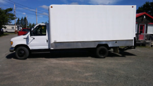 Camion Cube 16' Ford E-350 Diesel