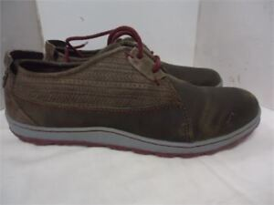 Ladies Merrell Shoes- size 7  new in box
