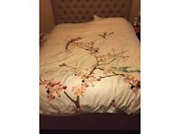 Free Kingsize mattress, very comfortable and in very good condition