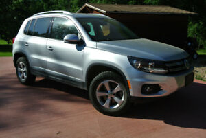 2013 VW Tiguan Highline-2 SETS OF WHEELS-PRIVATE SALE-LOW KM