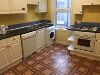 ** Nice Double room available now in Golders Green**