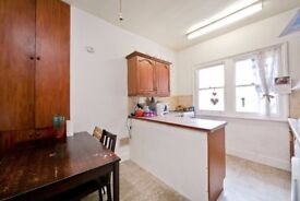 Large 3 bedroom garden apartment to rent in Camden! Available now! £460 pw! Perfect for sharers!
