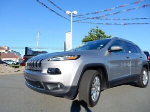 2016 Jeep CHEROKEE LIMITED FULLY LOADED!!!!!  HUGE PANORAMIC ROO