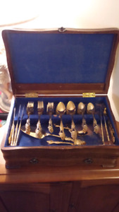 116 Piece Gold-plated Flatware