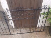 Drive gates and metal posts
