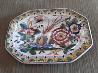 Decorative Dish. Hand painted in Portugal. 17cm x 12cm.
