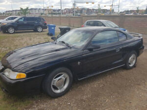 1995 Ford Mustang - LOW KM & GREAT CONDITION!
