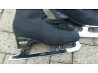 Ice skate size 41