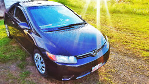 Sporty 06 Honda Civic EX Loaded Coupe Sunroof. Tax In.