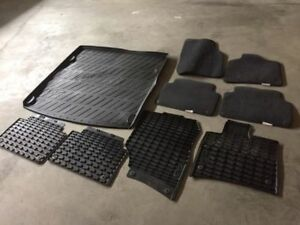 Audi Q7 Genuine rubber and carpet mats with cargo liner