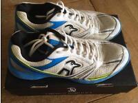 Kookaburra pro 750 men's spike cricket shoes. Size10.