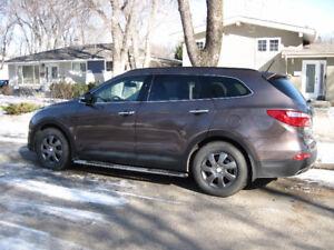 2013 Hyundai Santa Fe XL Ltd. SUV, Crossover