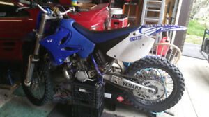 COMPLETLY REBUILT FROM TOP TO BOTTOM 2002 YAMAHA YZ250