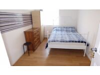 Lovely & Large Double Room / Westferry, Minutes Walk to Canary Wharf / All Bills Inc / Avail NOW !!!