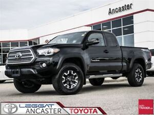 2017 Toyota Tacoma TRD Off Road V6 4X4 WITH ONLY 5379 KMS!!