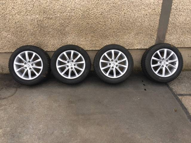 Honda Civic Alloy wheels with winter Bridgestone blizzard 205/55/16 fitted near new