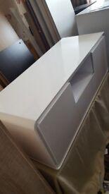 Brand new white tv unit £100