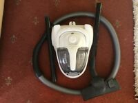 Power cyclonic pet vacuum cleaner