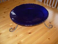 Glass bowl on stand
