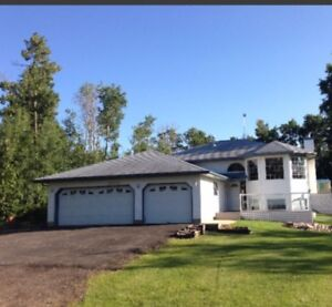 For Rent 2.2Acres. House Is Close To Edmonton & Sherwood Park