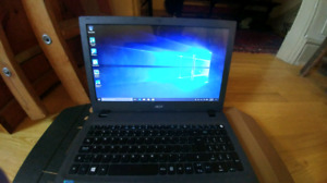 Selling like new acer touchscreen laptop