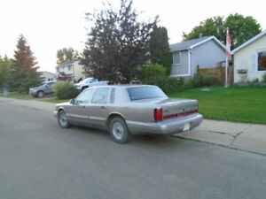 Price Reduced  1995 Lincoln Town Car