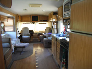 1997 - 36' -Ford Fleetwood Bounder MotorHome