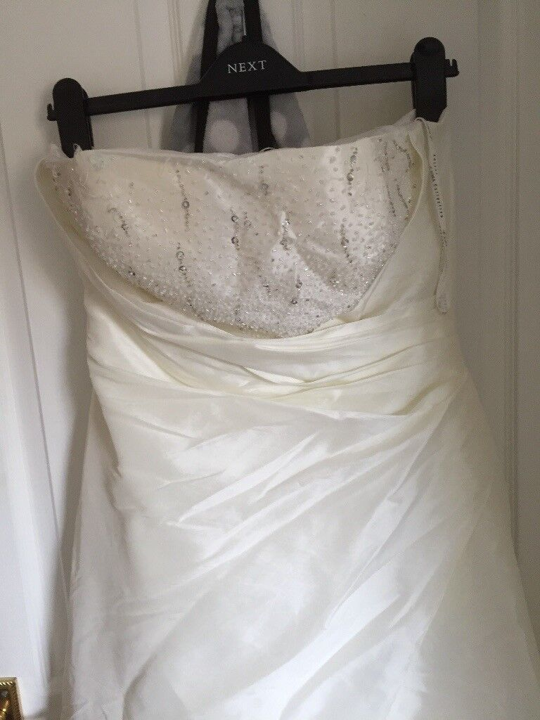 Two ivory prom dresses size 14 a must see one would even do as a wedding dressin FalkirkGumtree - Two stunning ivory prom dresses size 14 £45 each Ono better looking in person than the photos I have taken do contact me for further information