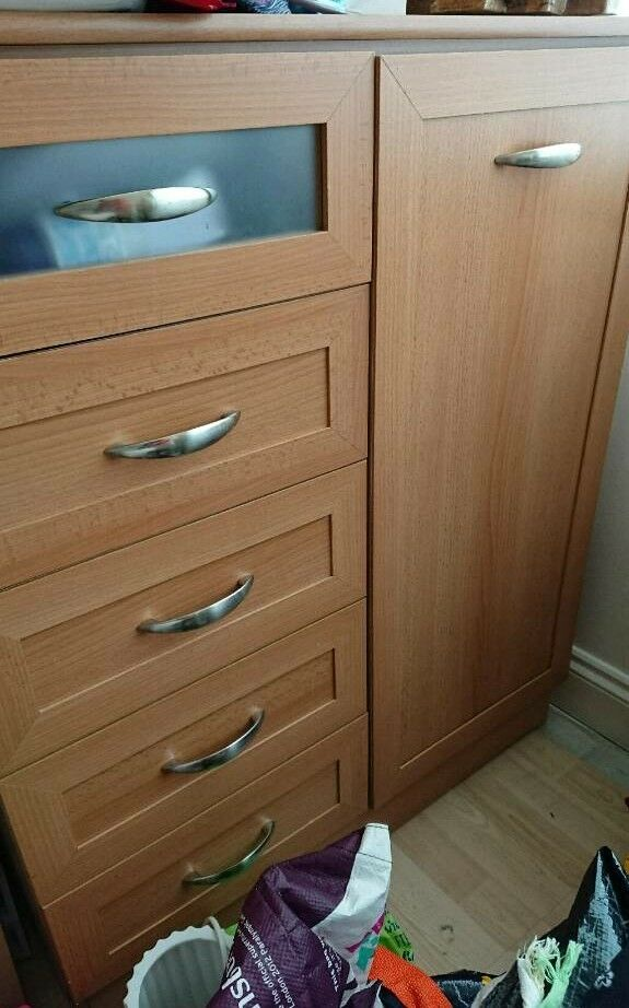 4 piece Chest of drawers set