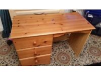 pine desk/dressing table,very good condition