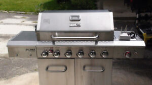 *BRAND NEW* Deluxe Stainless Steel BBQ ~ Dual Fuel *Worth $900*
