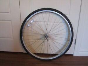 Diverses pièces ou équipement pour vélo