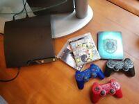 **PS3 BUNDLE: 250GB Slim + 3 DualShock Controllers + Games**