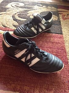 COPA MUNDIAL SOCCER CLEAT SIZE 6 ONLY WORN ONCE