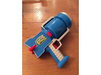 Scatter Brainz - Darts gun..