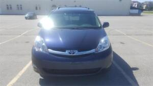 2006 Toyota Sienna AWD FULLY LOADED VERY RARE!!!!